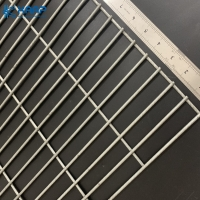 China Hot Dipped Galvanized Square Opening 4mm Welded Wire Mesh on sale