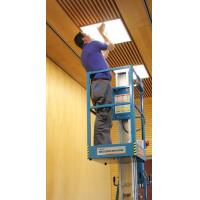 One Person Vertical Mast Lift Single Mast With 7.6 Meter Platform Height