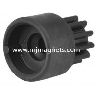 China plastic Injection molded ferrite permanent gear magnet wholesale