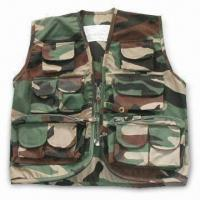 China Free Camo Vest with Pockets, T/C Fabric, Velcro, Button, Zipper, and Lables wholesale