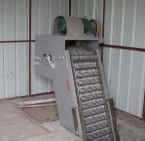 China Stainless Steel Trash Rake Mechanical Bar Screen For Sewage Treatment Plant wholesale