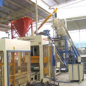 China Concrete Hollow Block Making Machine (QT6-15) wholesale