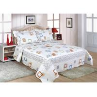 China Cotton Frame Quilt Bedding Sets , Geometric Pattern Bedspreads And Comforters wholesale