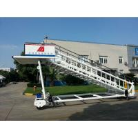 China Portable Airplane Steps Ladder Diesel Driven 2300 To 3600 mm Height wholesale