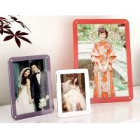 China colorful acrylic photo frames wholesale