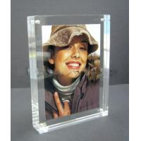 China acrylic cube photo frame wholesale