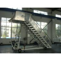 China Heavy Duty Aircraft Boarding Stairs 196 L x 156 W Centimeter Platform Dimension wholesale