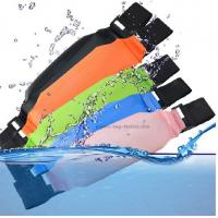 China Outdoor Plastic Waterproof Waist Pouches Water-Resistant Waist Packs for Phone and Camera on sale