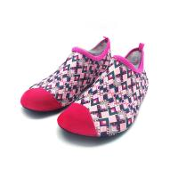 China Flexible Red Aqua Foot Water Shoes Outside Pool And Beach Shoes Cozy Feel wholesale