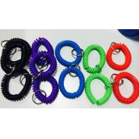 China Top quality perfect look PU plastic assorted color 2.5x10x55mm wrist coil wristband w/ring wholesale