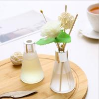 China Customized Luxury Box Home Reed Diffuser Glass Bottle Dried Flower Design wholesale