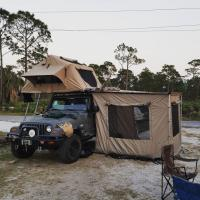 Quality Water Resistant 4x4 Roof Top Tent Easy Operate With Side Awning CE Certificated for sale