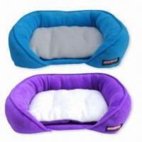 China Pet Beds with Extra Fleece Cushion, Measures 72 x 56 x 18cm, Easy to Access on sale