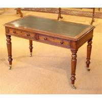 China Antique Style  Hotel Writing Desk Oak Wooden With Drawers Environment - Friendly wholesale
