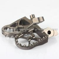 China CNC Billet 7075 T6 Aluminum Alloy Dirt Bike Pegs With Stainless Steel Teeth on sale