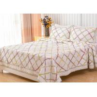 China Geometric Full Size Quilt 3pcs Country Style Handmade Patchwork Quilt Bedding Sets wholesale