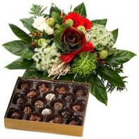 China China Christmas gift baskets Holiday Greetings Bouquet And Chocolate.NO.49 wholesale