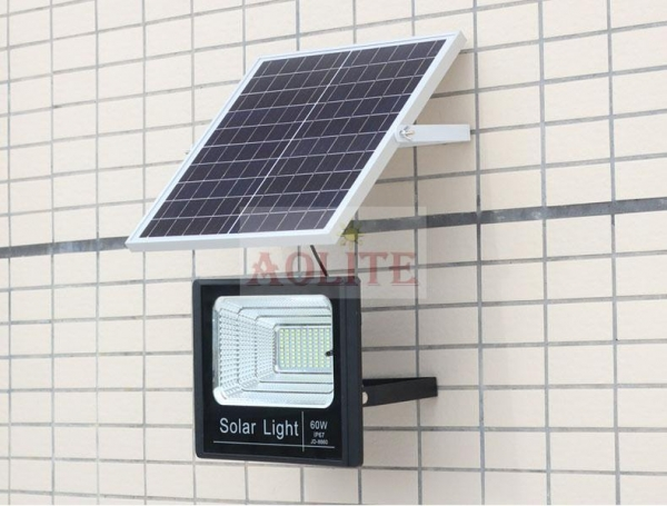 China XQ-8060A (60W) Outdoor Led Soloar Flood Light